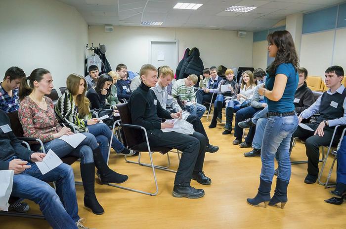 Инструктаж для сотрудников проводится на основании НПА. Фото kontur.ru